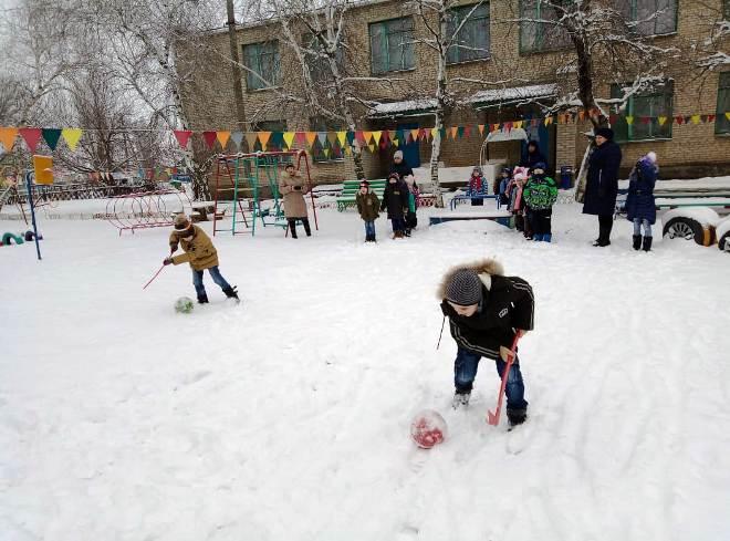 «Зимние забавы» В ДОУ