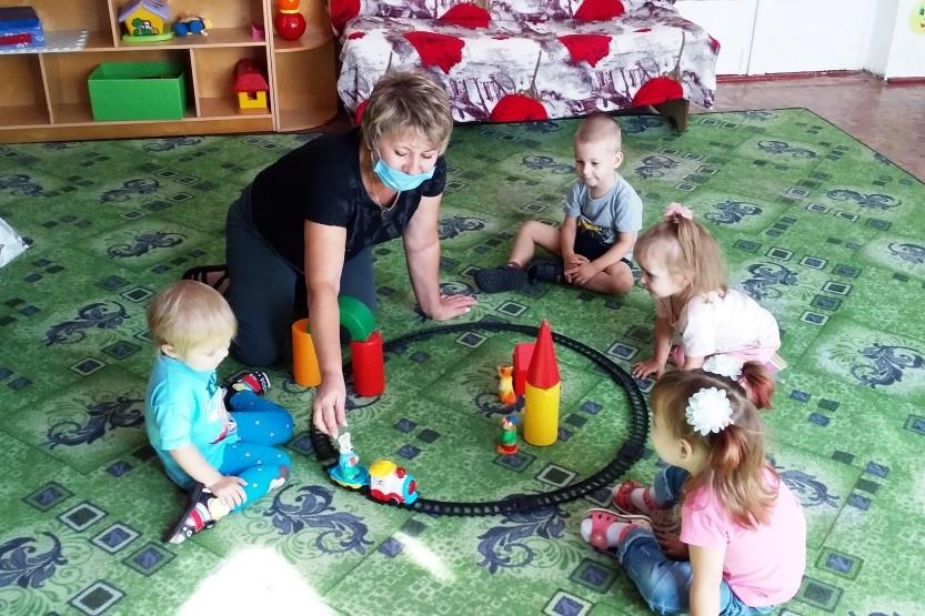 Игровое занятие «Поезд и железная дорога»