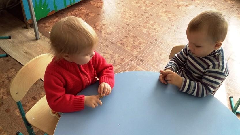 Наши пальчики играют – говорить нам помогают