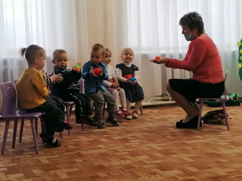 «Гости весёлого паровозика» в группе раннего возраста