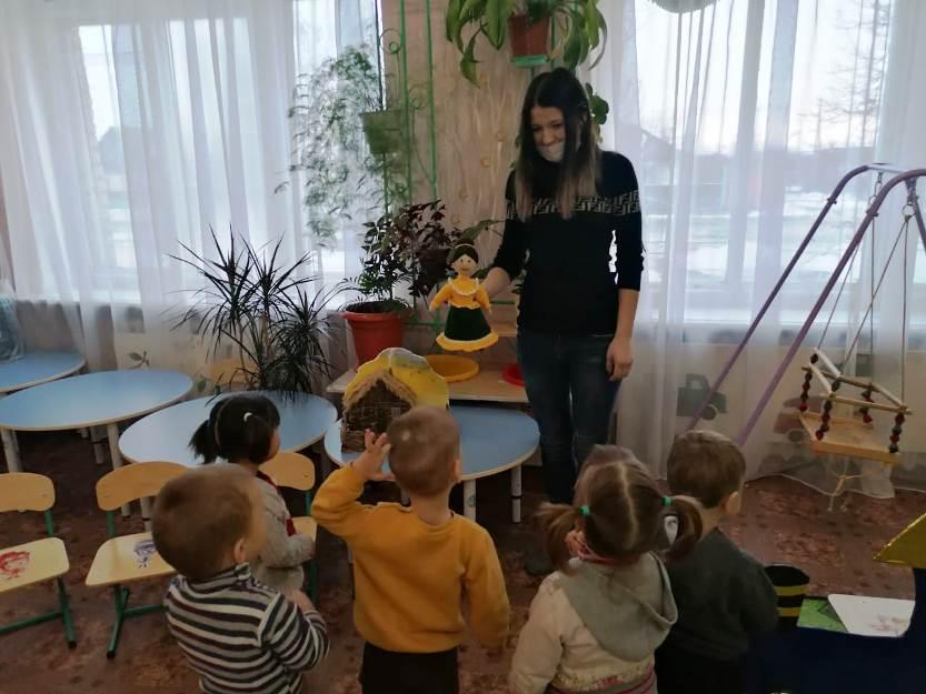 Малыши в гостях у бабушки Ульяны