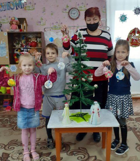 В мастерской  Деда Мороза